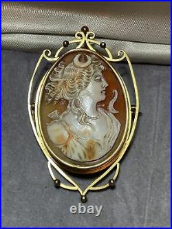 Lovely Large Victorian 9ct Gold Shell Cameo Brooch full weight 12.6g