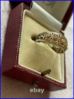 Victorian 15ct Gold Coral Ring. Size L