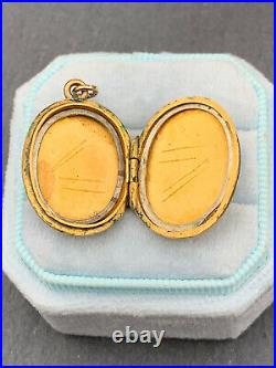 Victorian large oval pretty swirl front 9ct Gold Locket Pendant